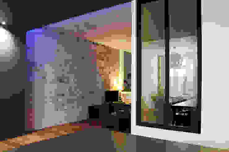 Appartement BRNT Salon moderne par BIENSÜR Architecture Moderne