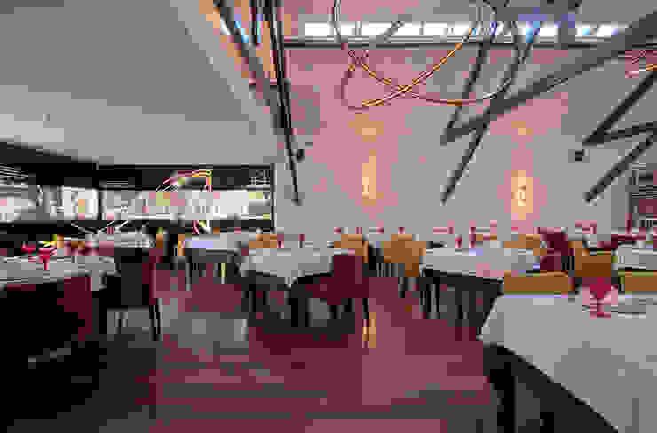 Salpoente - Sala de Restaurante Espaços de restauração modernos por GAAPE - ARQUITECTURA, PLANEAMENTO E ENGENHARIA, LDA Moderno