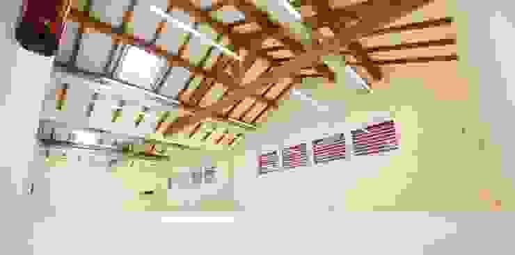 Academia de Bailado Clássico de Aveiro Ecoles modernes par GAAPE - ARQUITECTURA, PLANEAMENTO E ENGENHARIA, LDA Moderne