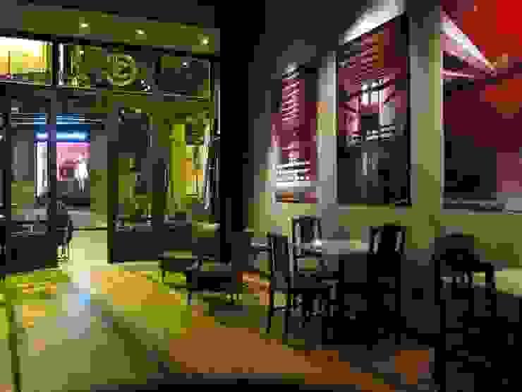Clube 3C - Clérigus Café Clube Espaços de restauração eclécticos por GAAPE - ARQUITECTURA, PLANEAMENTO E ENGENHARIA, LDA Eclético