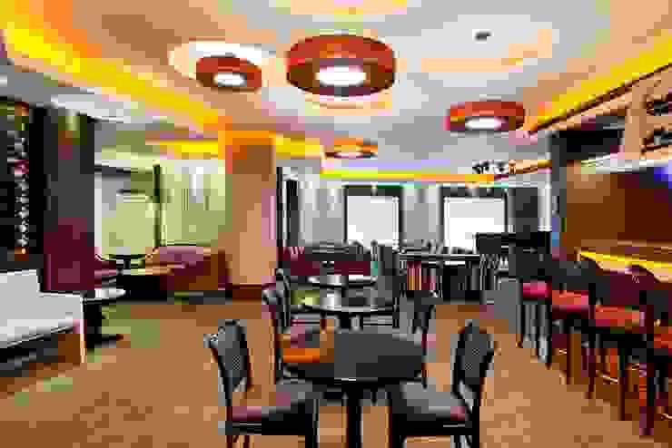 Hotel Novo Mundo – Bar Grand Prix Hotéis modernos por DG Arquitetura + Design Moderno