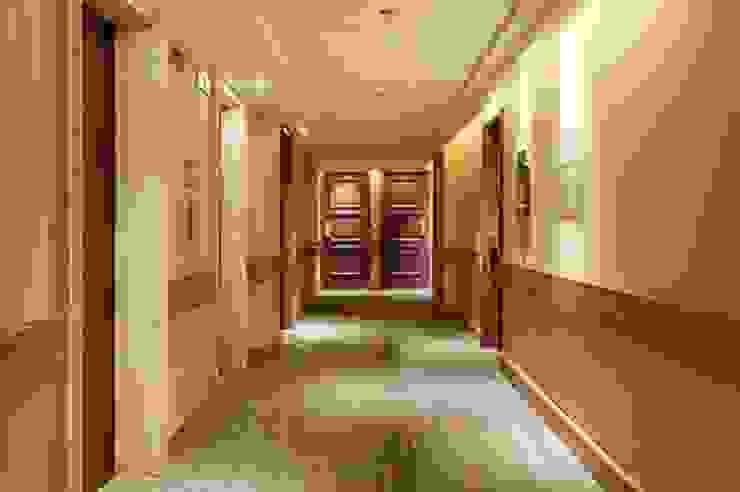 Hotel Novo Mundo – Corredor Hotéis modernos por DG Arquitetura + Design Moderno