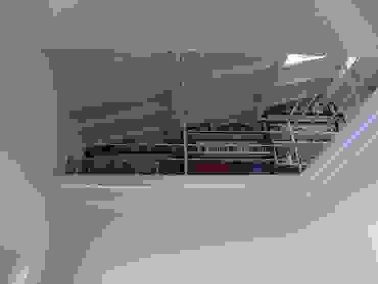 Ristrutturazione di terratetto a Viareggio Studio minimalista di Giuseppe Cipolla Architetto Minimalista