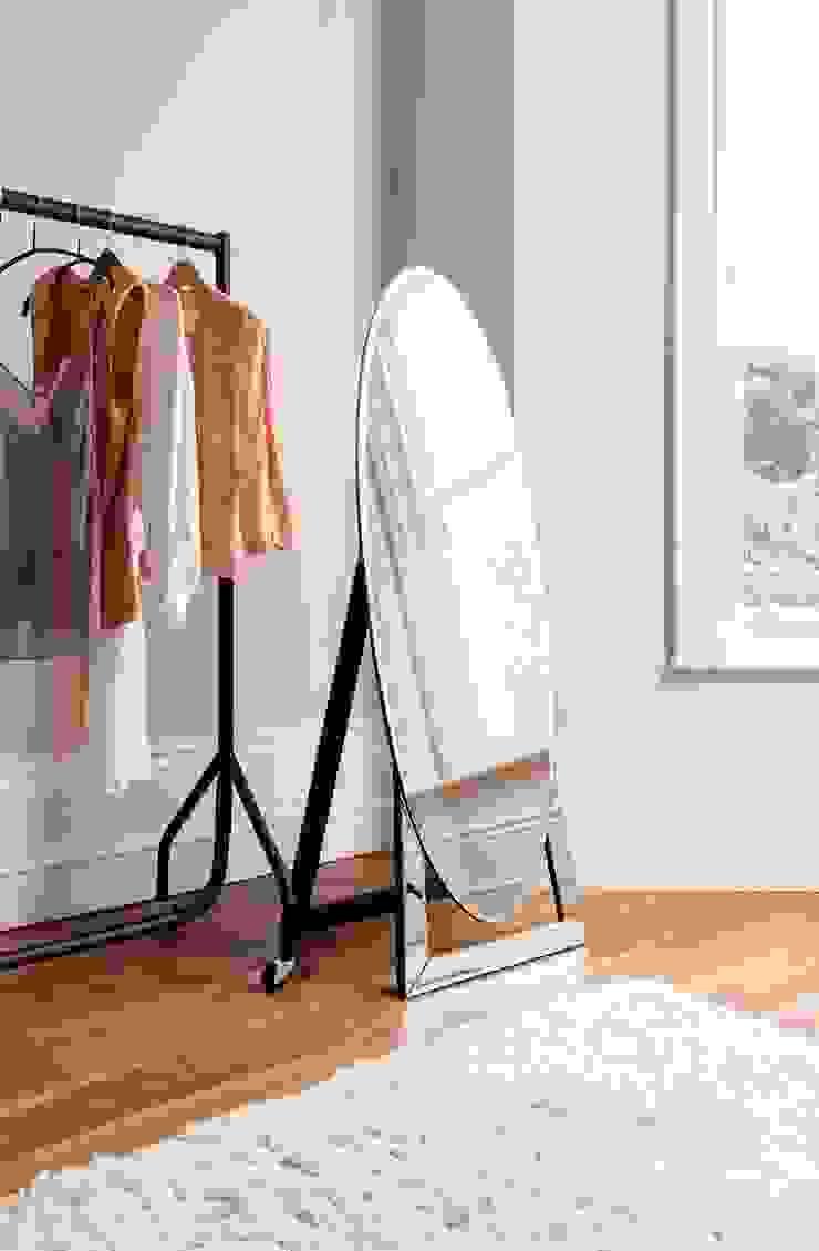 Espejo vestidor moderno Novo de Ámbar Muebles Ecléctico