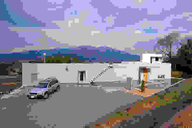 外観全景を見る モダンな 家 の 一級建築士事務所ATELIER-LOCUS モダン