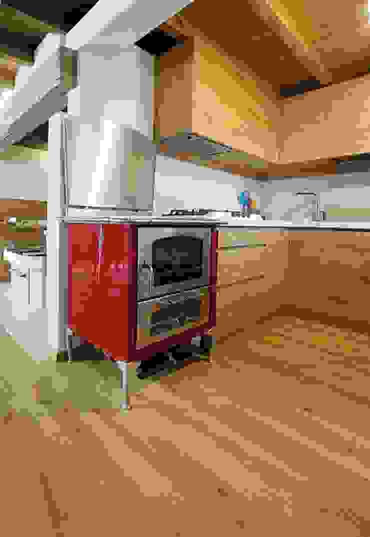 Dettaglio cucina Case in stile rustico di Parchettificio Garbelotto Srl - Master Floor Srl Rustico