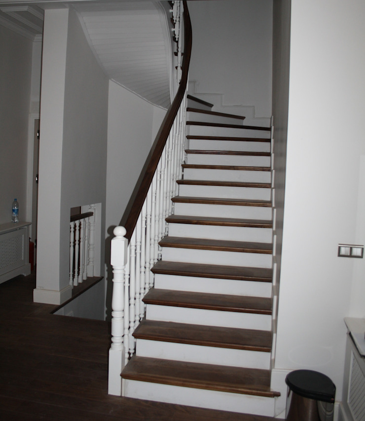 Ahşap Merdiven Öztek Mimarlık Restorasyon İnşaat Mühendislik Klasik Ahşap Ahşap rengi