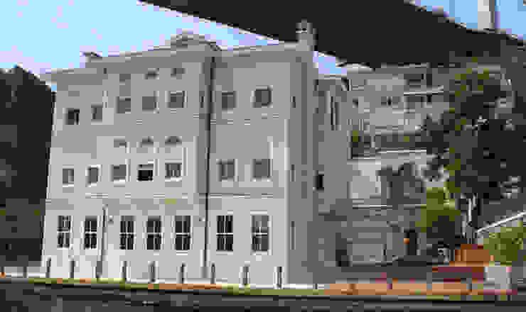 Classic style houses by Öztek Mimarlık Restorasyon İnşaat Mühendislik Classic