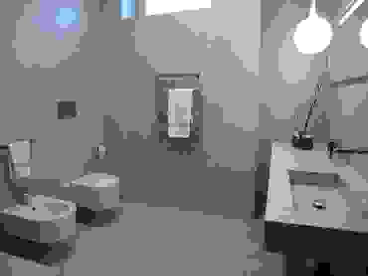 Bagno Casa Mazzara Bagno moderno di Alfonso D'errico Architetto Moderno