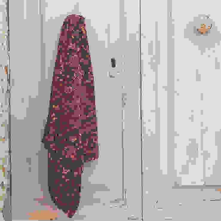 Pantone colour 2015 - Marsala : rustic  by Fate London, Rustic