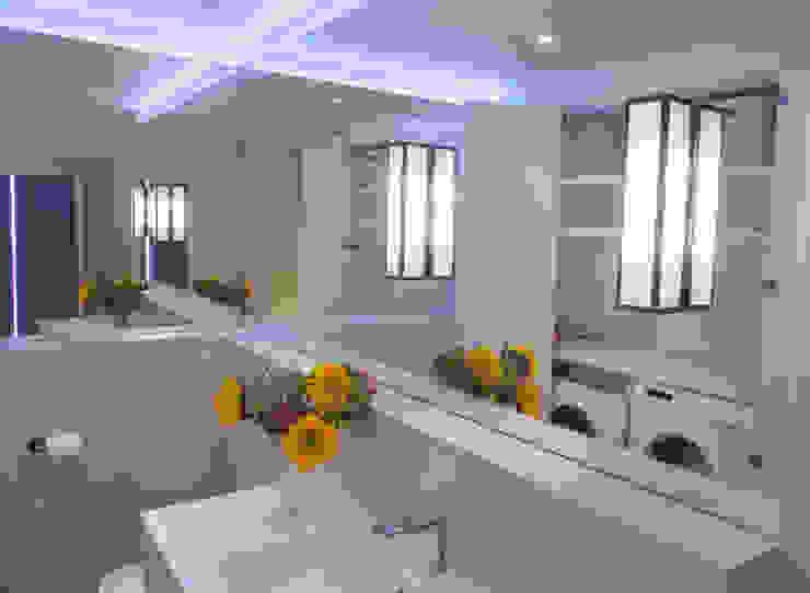 canalside flat : camden Minimalist bathroom by Cassidy Hughes Interior Design Minimalist