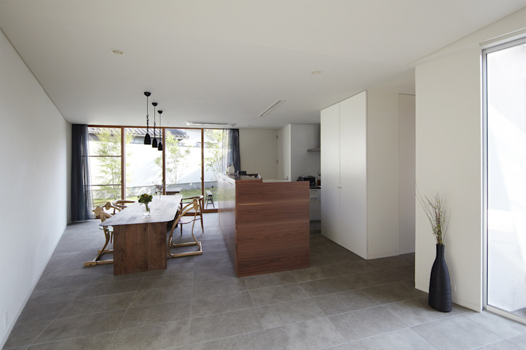 Modern Dining Room by 一級建築士事務所ROOTE Modern
