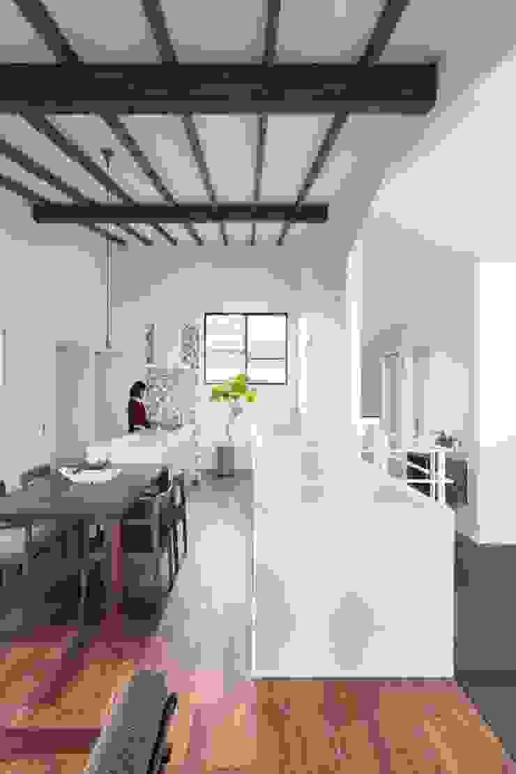 Matsuo House: ALTS DESIGN OFFICEが手掛けた現代のです。,モダン