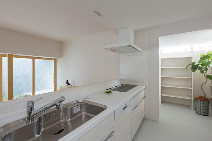 Kusatsu House モダンな キッチン の ALTS DESIGN OFFICE モダン