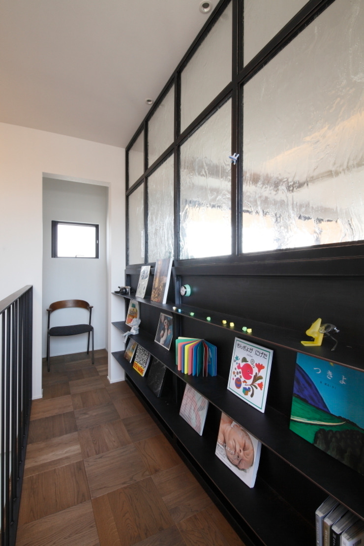 Minakuchi House: ALTS DESIGN OFFICEが手掛けた現代のです。,モダン