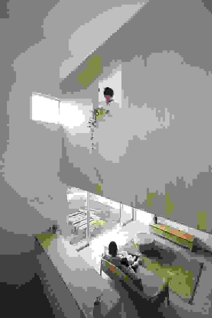 Azuchi House モダンデザインの リビング の ALTS DESIGN OFFICE モダン