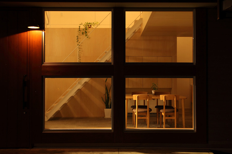 Azuchi House モダンな 窓&ドア の ALTS DESIGN OFFICE モダン