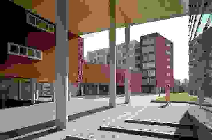 by Rudy Uytenhaak Architectenbureau