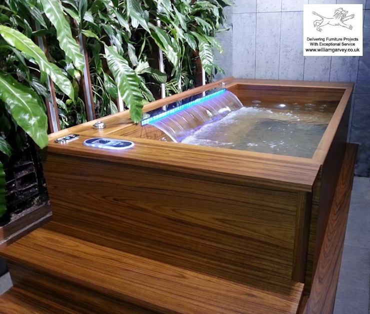 Teak Jacuzzi: modern  by William Garvey Ltd, Modern
