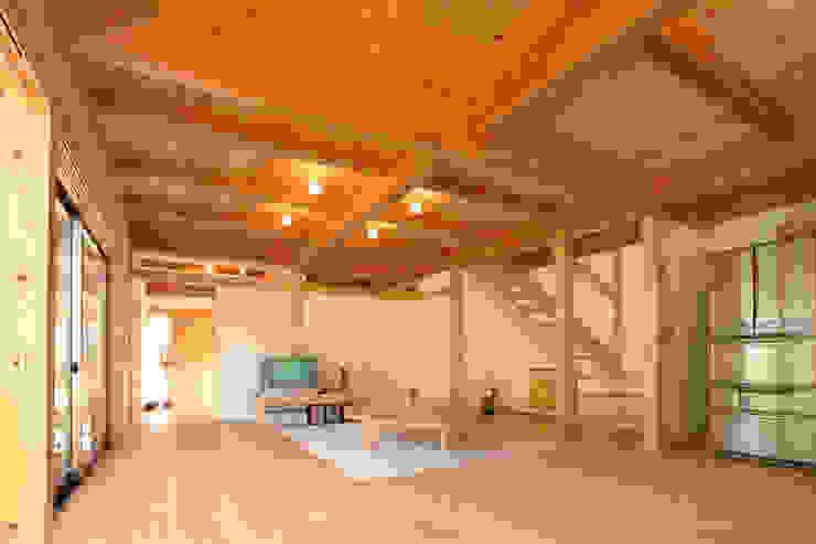 LDK オリジナルデザインの リビング の 三宅和彦/ミヤケ設計事務所 オリジナル