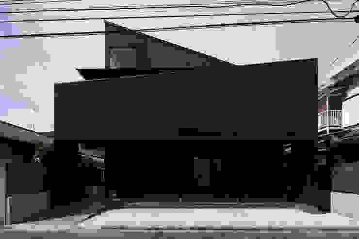 さんかくテラスの家 モダンな 家 の 株式会社Fit建築設計事務所 モダン 金属