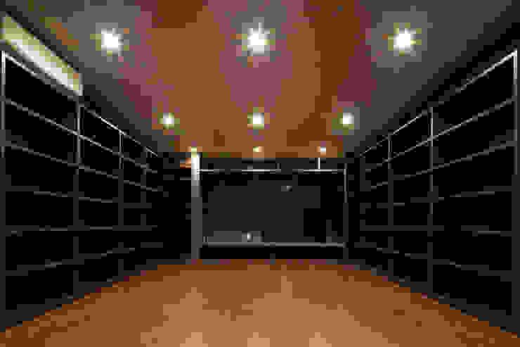 さんかくテラスの家 モダンデザインの 多目的室 の 株式会社Fit建築設計事務所 モダン