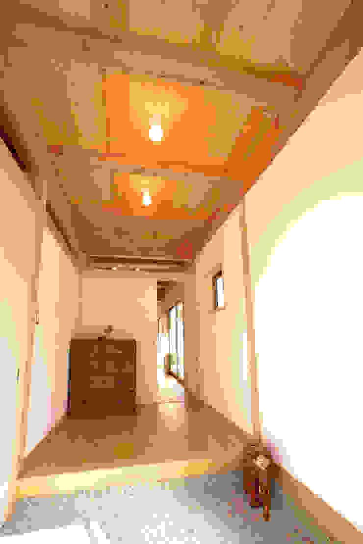 玄関 和風の 玄関&廊下&階段 の 三宅和彦/ミヤケ設計事務所 和風