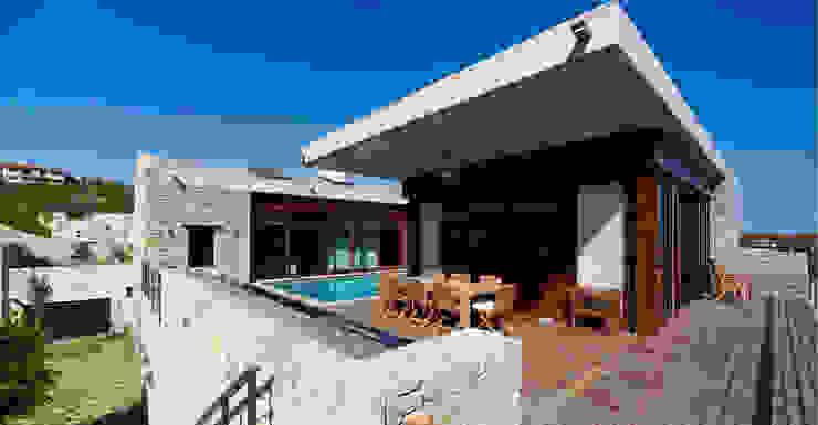 Balcones y terrazas de estilo moderno de TEGET Mimarlık Moderno