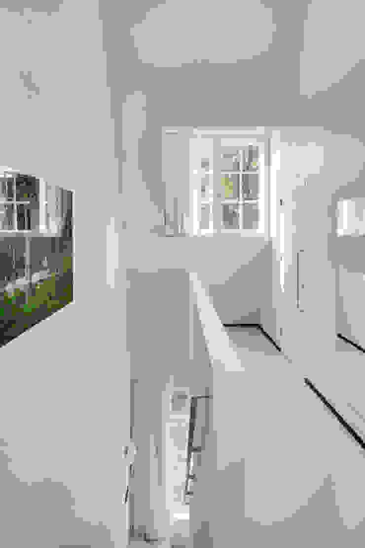 The Post: modern  door Wiel Arets Architects, Modern