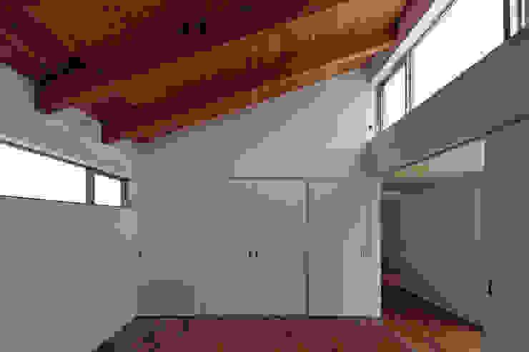 稲沢の家 モダンスタイルの寝室 の 彦坂昌宏建築設計事務所 モダン