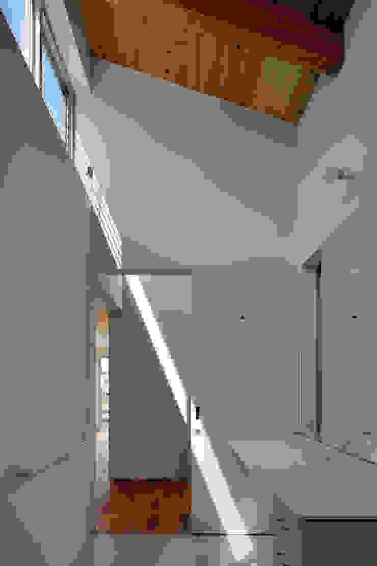 稲沢の家 モダンスタイルの 玄関&廊下&階段 の 彦坂昌宏建築設計事務所 モダン