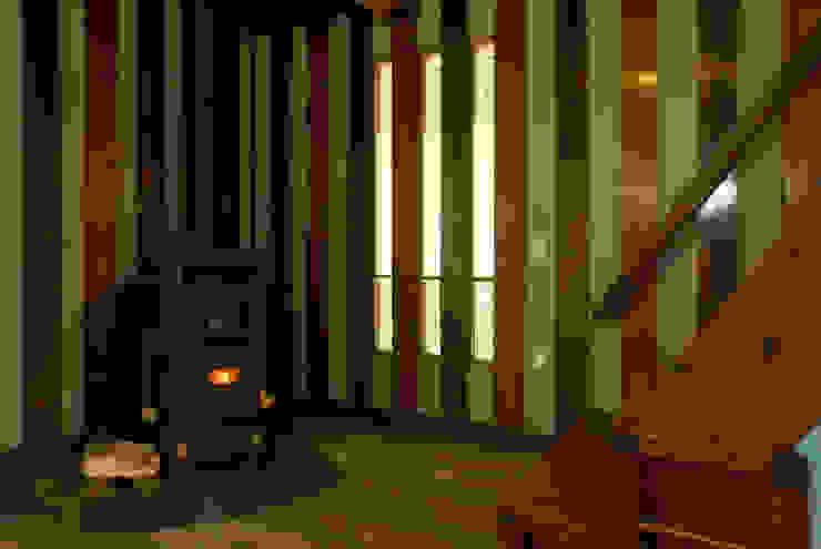 暖炉のコーナー。: O設計室が手掛けたクラシックです。,クラシック