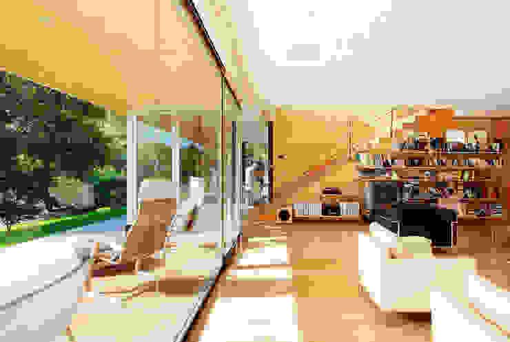 Casa en Mungia Salones de estilo moderno de Hoz Fontan Arquitectos Moderno
