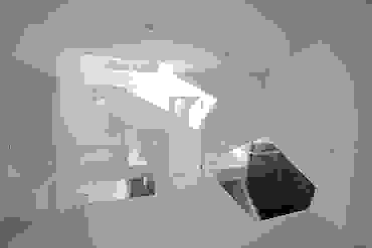 Villa Kanousan モダンな 家 の Yuusuke Karasawa Architects モダン