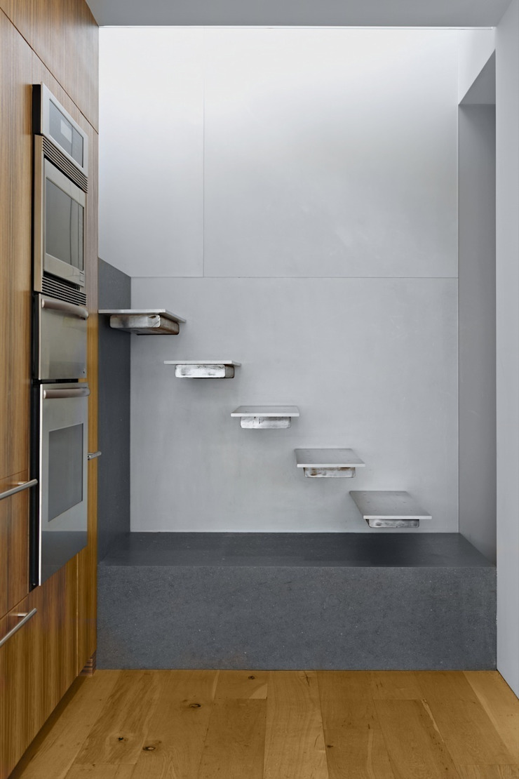 Soho Duplex Pasillos, vestíbulos y escaleras de estilo moderno de Slade Architecture Moderno
