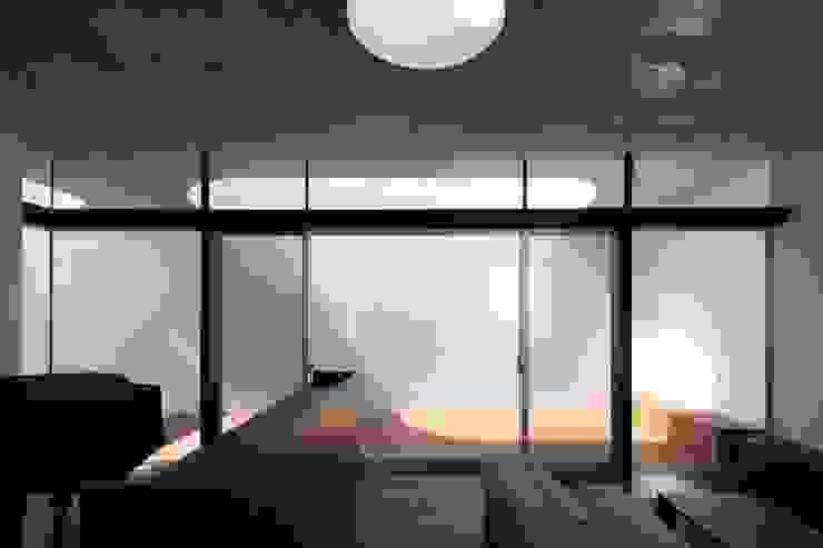 Tender concrete モダンな 窓&ドア の 半谷彰英建築設計事務所/Akihide Hanya Architect & Associates モダン