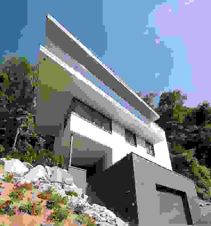 Ansicht Eingang: modern  von Atelier und Architekturbüro Bärenwald,Modern