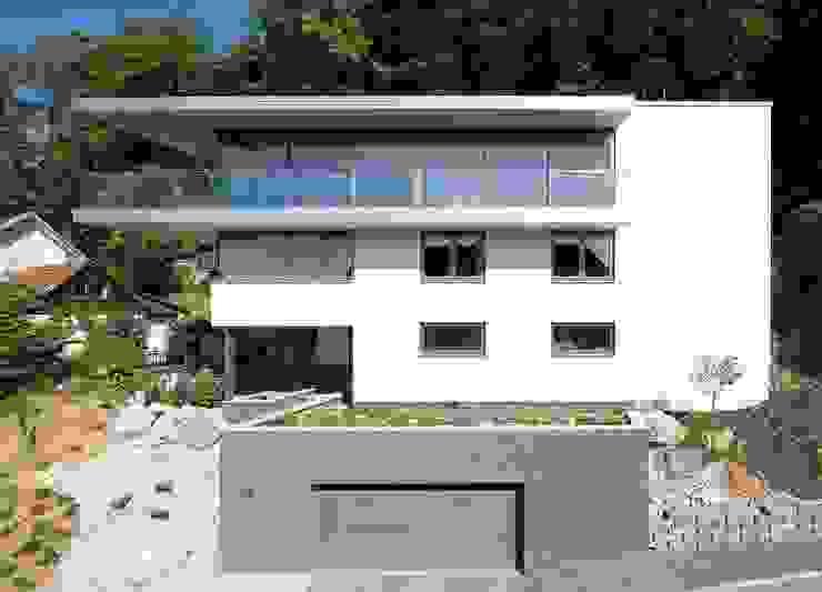 Ansicht Süd: modern  von Atelier und Architekturbüro Bärenwald,Modern