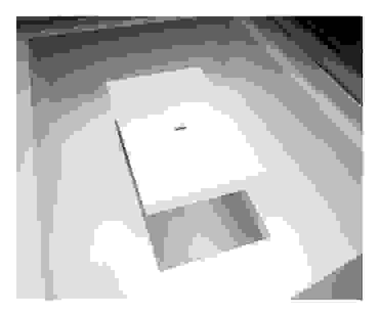 White on White Comedores de Gianni Botsford Architects