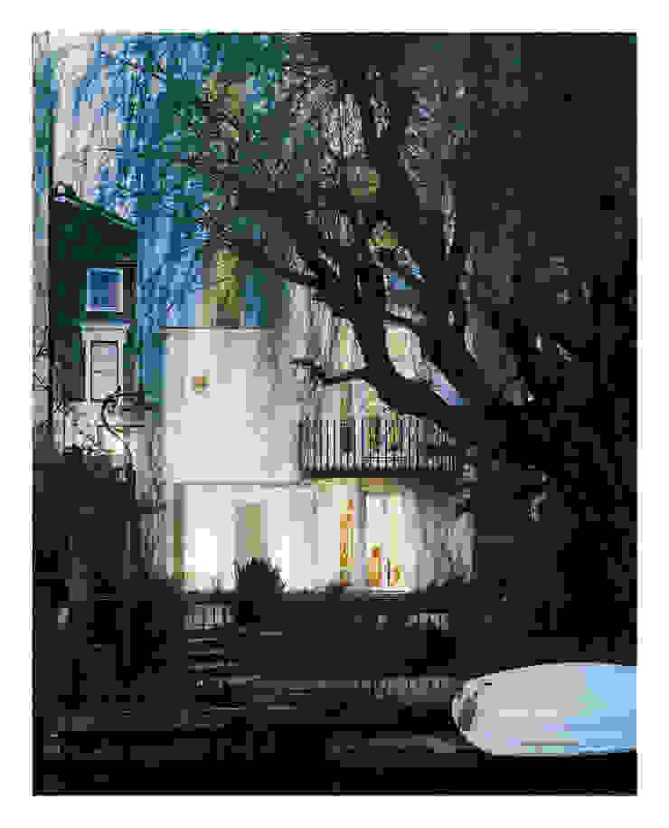 White on White Houses by Gianni Botsford Architects