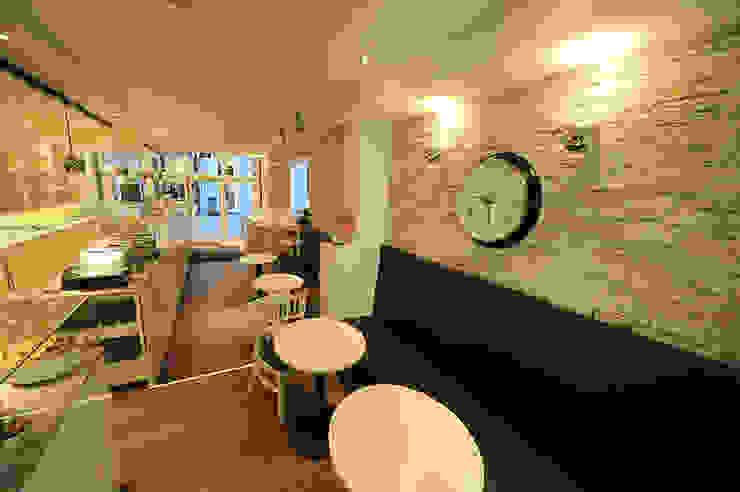 PANELPIEDRA Office spaces & stores