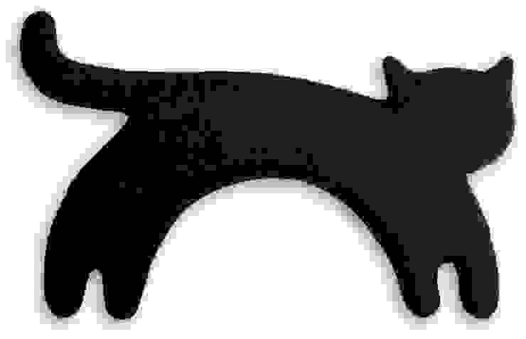 Leschi warming pillow, Minina the cat por Leschi Moderno