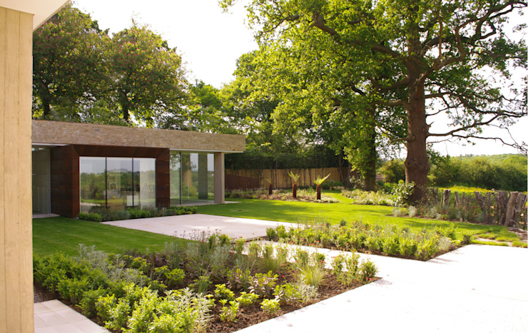 Underground House Modern houses by LEES MUNDAY Architects Modern