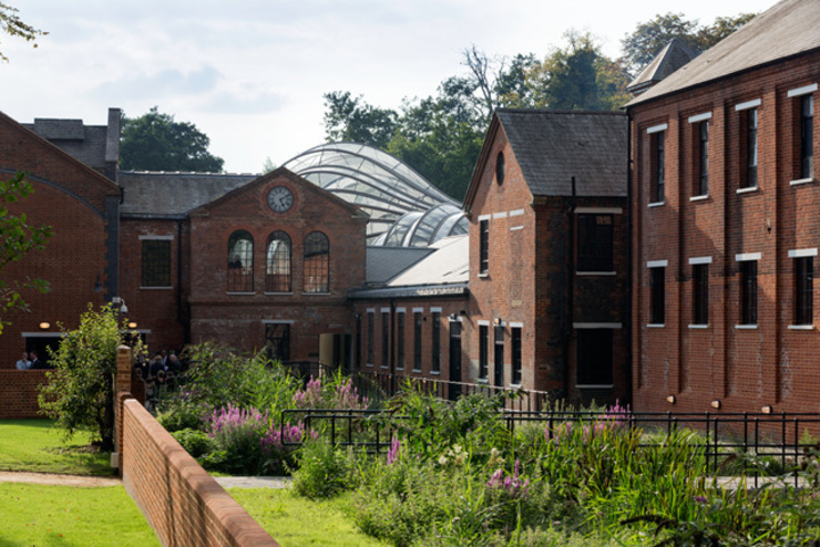 Bombay Sapphire Distillery, Laverstoke Mill Industrial style bars & clubs by Heatherwick Industrial