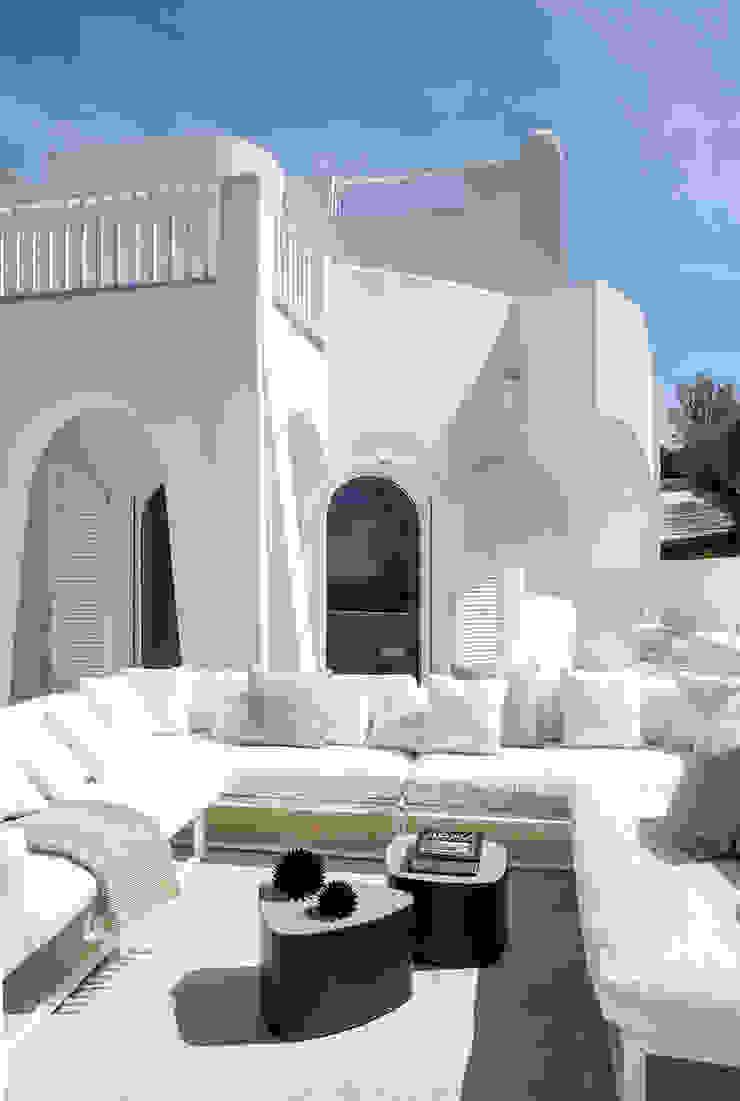 SABAUDIA SUL MARE Balcone, Veranda & Terrazza in stile mediterraneo di Stefano Dorata Mediterraneo