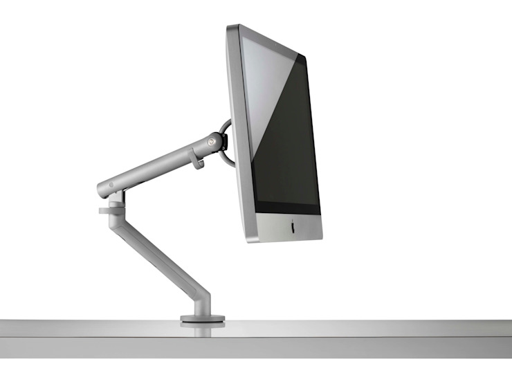 Flo  with iMac: modern  by Colebrook Bosson Saunders, Modern