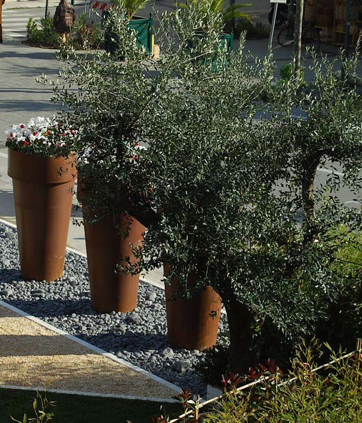Giardino effimero a Forte dei marmi Giardino d'inverno moderno di Fuoriforma Moderno