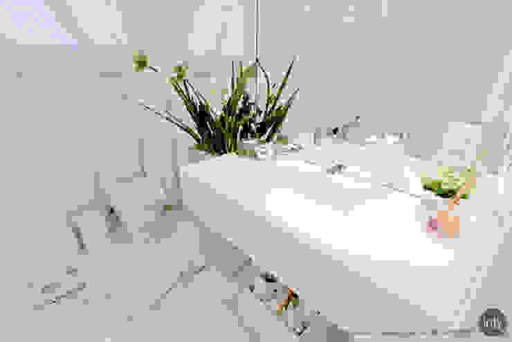 LAVABO WHITE por injy Interior Design Eclético