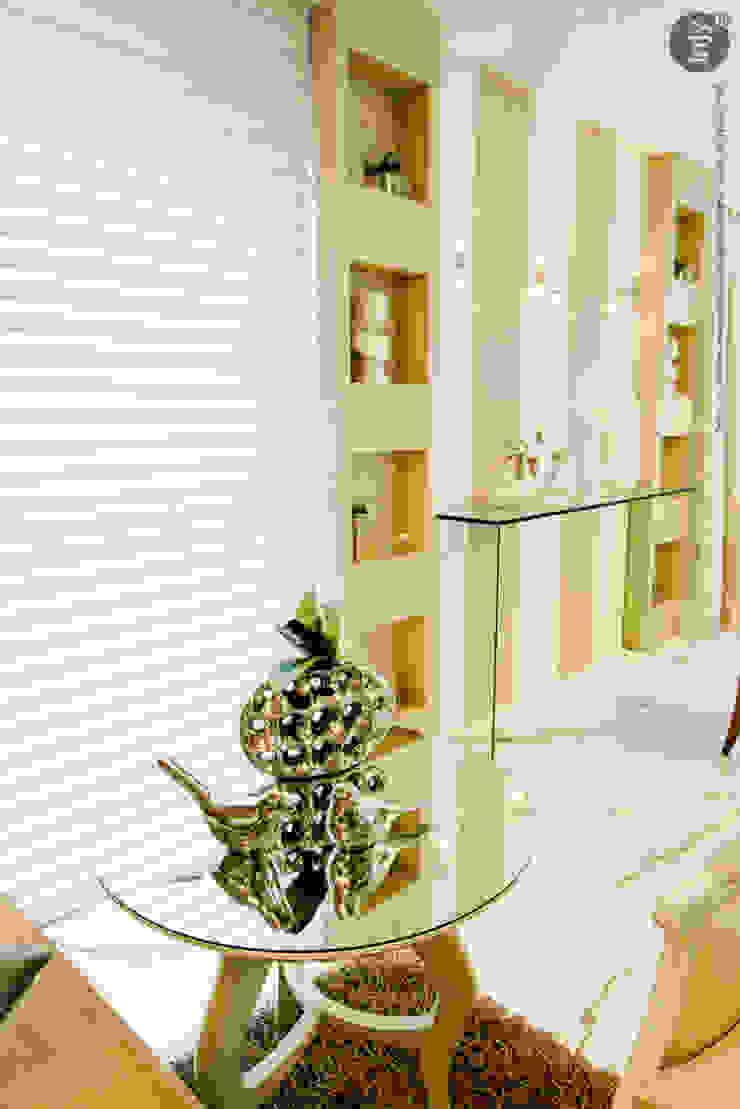 HOME-THEATHER por injy Interior Design Eclético