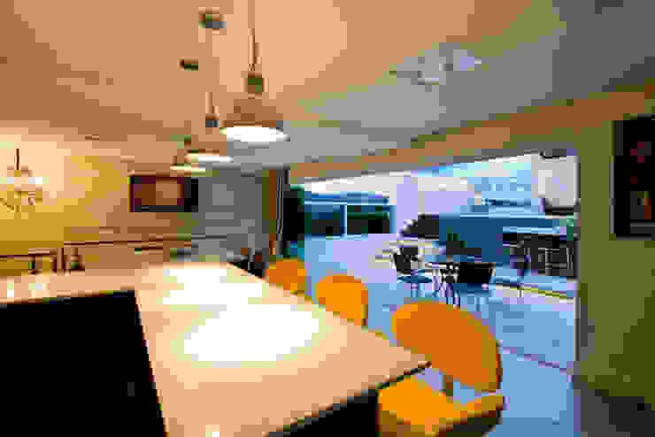 ESPAÇO GOURMET por injy Interior Design Eclético